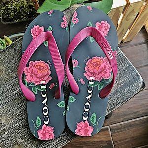 One left! 🌺Coach floral print flip flops